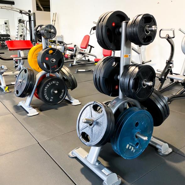 Zwei volle Gewichtständer